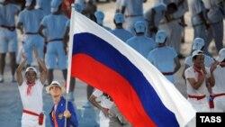 Сборная России, наконец-то, вышла на третье место в неофициальном командном зачете, хотя уже без участия знаменосца Андрея Кириленко