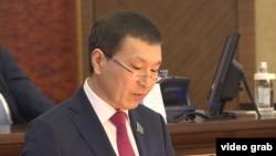 Нурлан Абдиров, депутат мажилиса, руководитель совместной группы по рассмотрению проекта изменений в Конституции. Астана, 6 марта 2017 года.