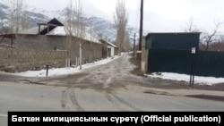 Село Кок-Таш в Баткенской области КР близ кыргызско-таджикской границы.