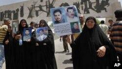 متظاهرات عراقيات وسط بغداد