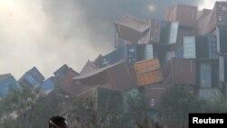 Тяньцзинь қаласында болған жарылыстардан кейінгі көрініс.