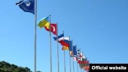 BSEC-ის წევრი ქვეყნების დროშები