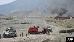 Клубы дыма над американской военной базой после контроперации против талибов. Иллюстративное фото.