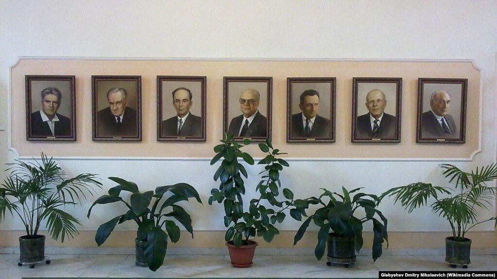 Нобелевские лауреаты, работавшие в ФИАН