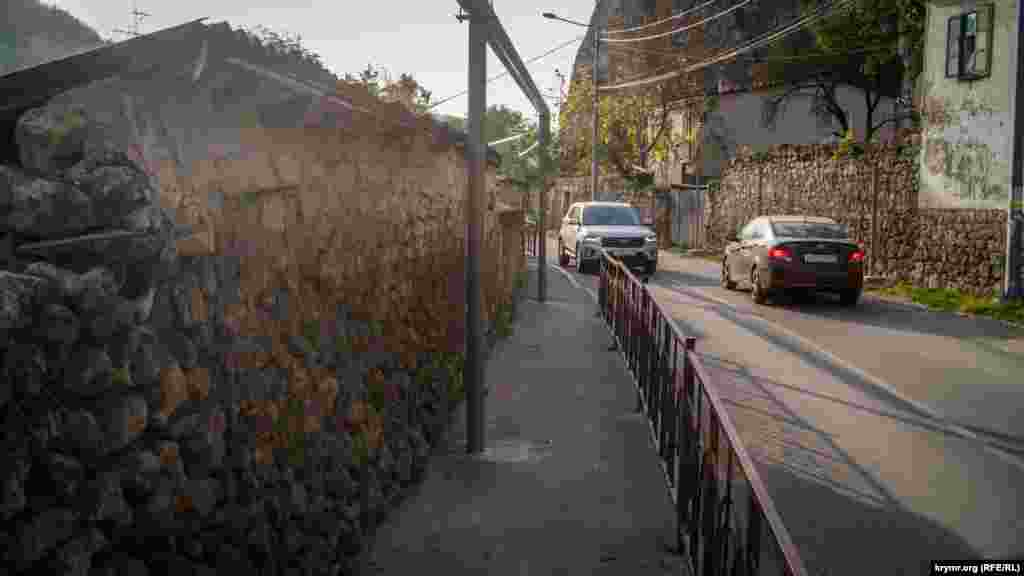 По остальным улочкам могли передвигаться только пешеходы и всадники