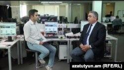 пресс-секретарь Министерства обороны Армении Арцрун Ованнисян дает интервью Радио Азатутюн, Ереван, 19 сентября 2016 г.