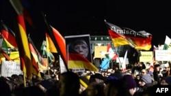 Під час маршу крайніх правих популістів у Дрездені, 12 січня 2015 року