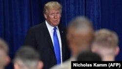 АҚШ президенті Дональд Трамп Форт-Майер базасында Ауғанстанға қатысты жаңа стратегия туралы айтып тұр. 21 тамыз 2017 жыл.