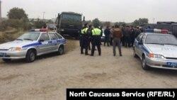 Полиция и активисты поспорили по поводу проезда к месту русско-черкесской битвы