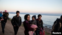 Афганистански бежанци пристигат на бреговете на Егейските острови