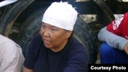 """Роза Тулетаева, бывшая работница компании """"Озенмунайгаз"""", активистка нефтяников. Жанаозен, июнь 2011 года. Фото газеты """"Голос Республики""""."""