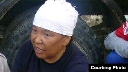 """Роза Тулетаева, бывшая работница компании """"Озенмунайгаз"""", активистка нефтяников. Жанаозен, июнь 2011 года."""