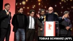 Итальянский режиссер Джанфранко Рози получает награду 66-ого Берлинского кинофестиваля