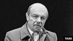 Кирилл Лавров в роли Ленина в спектакле БДТ «Перечитывая заново»