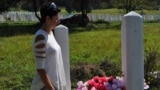 Ines Ribić na groblju Kolijevke u Goraždu