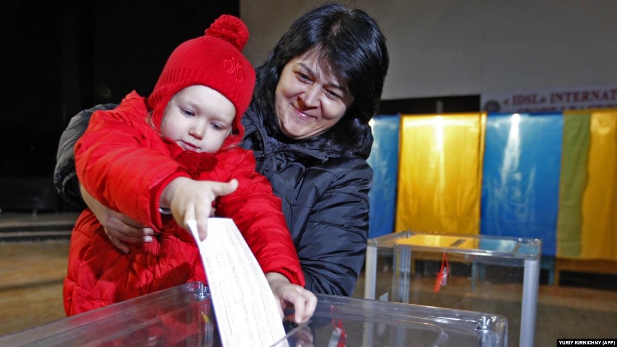 Выборы в Украине и совет эксперта: не стоит голосовать сердцем (обзор прессы)