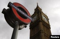 Shenja ikonike e metrosë në Londër