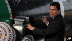 Prezident Gurbanguly Berdimuhamedow (arhiw suraty)
