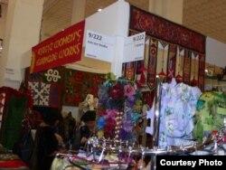 """""""Import Shop Berlin"""": кыргыз кол өнөрчүлөрдүн бир павильону, 11-ноябрь 2011"""