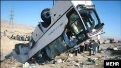 اتوبوس کاروان راهیان نور از استان کرمان عازم خوزستان بود که در محور طلائیه دچار سانحه شد