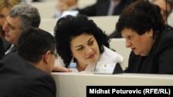 Milica Marković (u sredini) demantuje optužbe