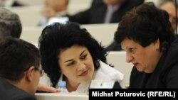 Milica Marković (u sredini)
