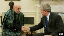Буш во вторник уже встречался с Карзаем один на один