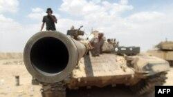 قوات من الحشد الشعبي في شمال الفلوجة