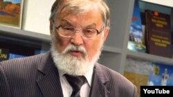 Виталий Станьял