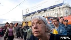 Людміла Аляксеева на Маршы нязгодных.