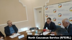 Глава Миниприроды Северной Осетии Чермен Мамиев на одном из совещаний