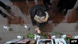 Уже 11 лет 26 октября родственники погибших приходят к театральному центру на Дубровке