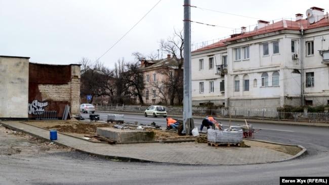 Укладка плитки на улице Пирогова