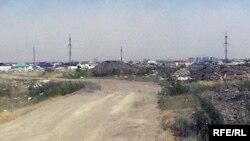Новые мусорные свалки на старом полигоне бытовых отходов. Район Юго-Запад. Актобе. Июль 2009 года.