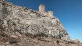 Вид на Генуэзскую крепость со стороны Судака