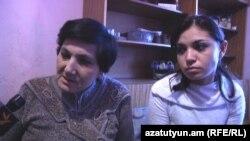 Ռուզաննա Սարգսյանը եւ նրա ավագ դուստրը` Ռիտան