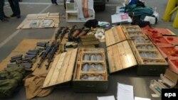 Ուկրաինացի իրավապահները առգրավել են զենք, զինամթերք և պայթուցիկ, որոնք ահաբեկիչները կարող էին կիրառել Ֆրանսիայում Եվրոպայի ֆուտբոլի առաջնության օրերին: