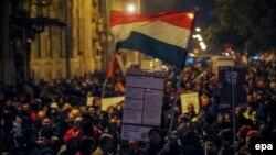 В последние недели в городах Венгрии прошли массовые митинги протеста