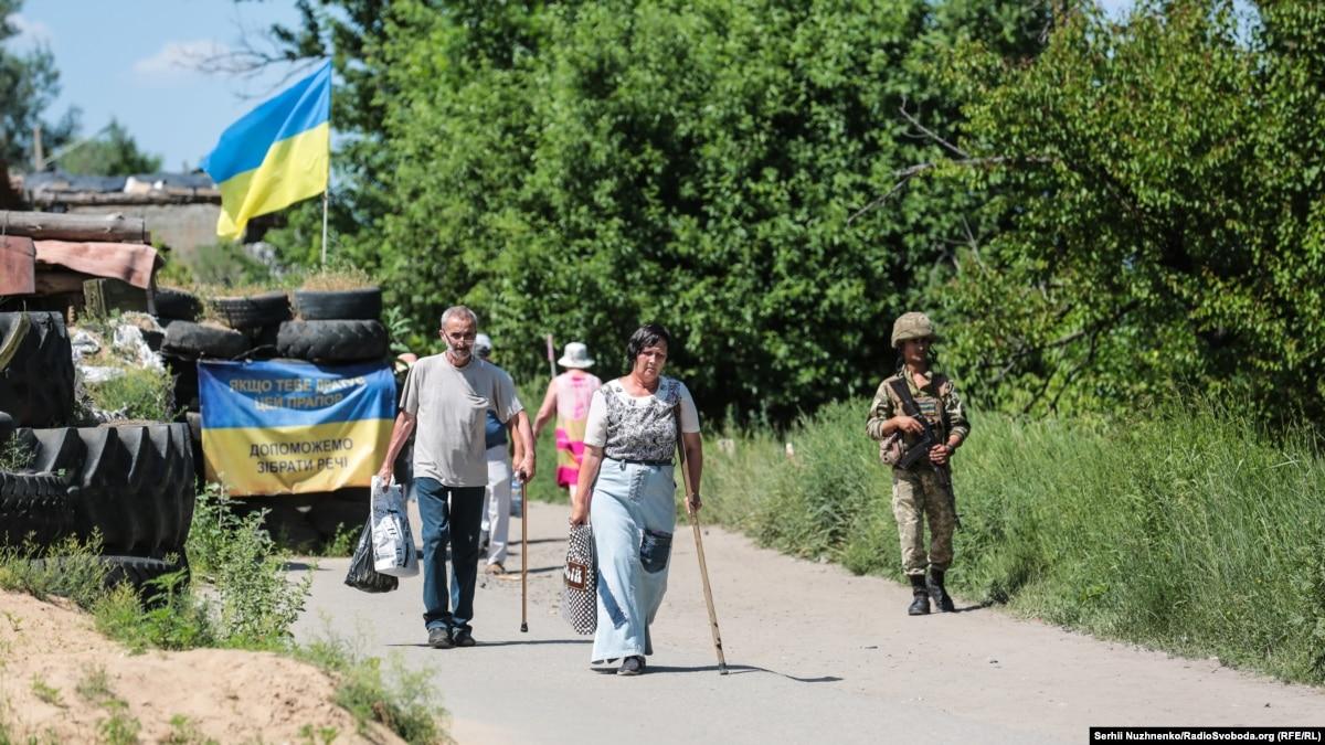 «Вы только ребенка не ешьте»: как на Донбассе изменилось отношение к военным