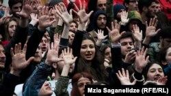 Студенты отступать не планируют и грозятся, что будут проводить акции протеста до тех пор, пока им не дадут возможность продолжить обучение в грузинских вузах