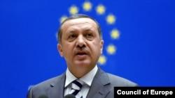 Призывы премьер-министра Реджепа Эрдогана отказаться от демонстраций не возымели действия