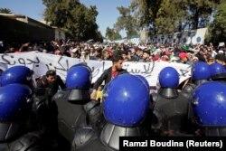 Протесты в столице Алжира. 3 марта 2019 года