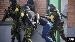 Учения ОМОНа в Чечне, иллюстративное фото