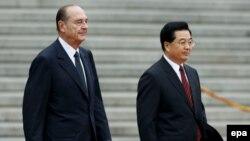روز جمعه، روسای جمهور دو کشور چين و فرانسه، در اظهارنظرهای جداگانه از ايران خواستند که رويکرد خود را در قبال برنامه هسته ای تغيير دهد.