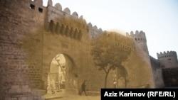 Qoşa Qala Qapıları