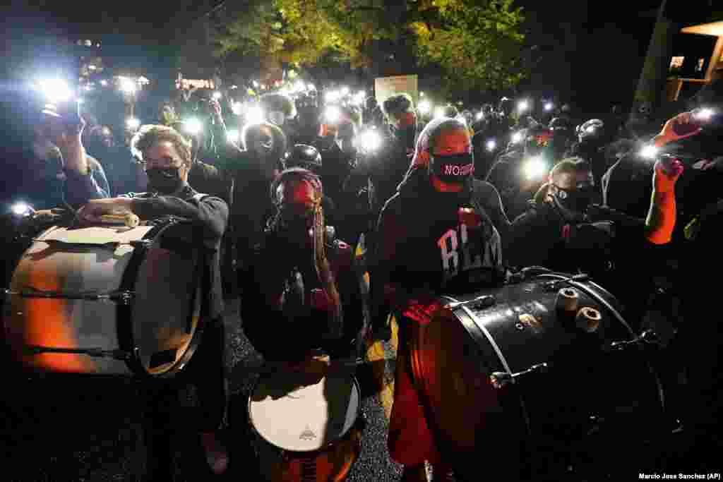 Акция противников Трампа в Портлэнде, штат Орегон.
