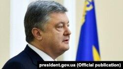 Петро Порошенко перебуває з робочим візитом у Литві