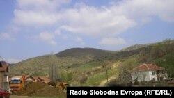 Според информациите стотици илегалци престојуваат во македонските села на пат за Европа