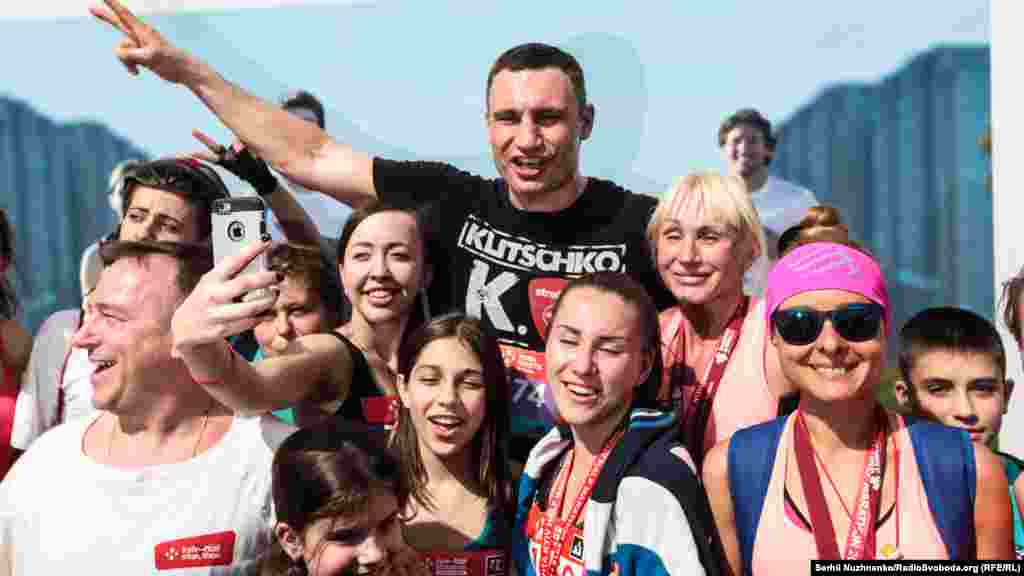 Селфі і спільне фото з мером Києва Віталієм Кличком