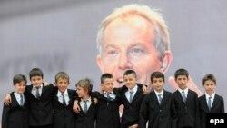 Nëntë fëmijët nga Kosova, të cilët mbajnë emrin e ish kryeministrit britanik, Tony Blair.